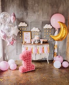 Girl Baby Shower Decorations, Baby Decor, Baby Shower Themes, Birthday Party Decorations, 1st Birthday Party For Girls, Baby Birthday, Birthday Ideas, Cake Table Birthday, Moon Party
