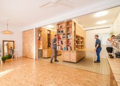 Moving wall Architecture - Moving Walls Transform a Tiny Apartment Into a Home. Sliding Wall, Sliding Shelves, Sliding Panels, Architecture Journal, Interior Architecture, Murs Mobiles, Spanish Apartment, Madrid Apartment, Apartment Layout