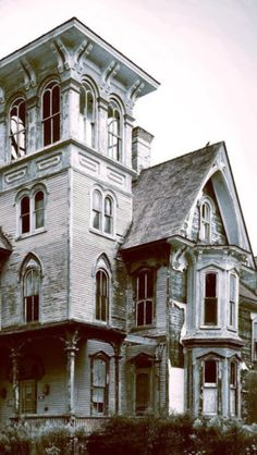 Victorian:  Abandoned #Victorian house.