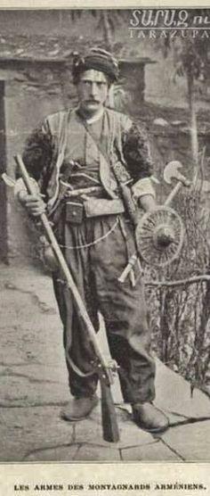 A fully armed Armenian mountain dweller. From the region between Van en Hakkari. Late-Ottoman era, end of 19th century.