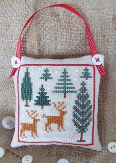 Woodland Deer Snowy Scene Cross Stitch Pillow door LadyLexiDesigns, $8.50