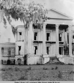 Belle Grove Plantation home in White Castle Louisiana in the 1940s :: State Library of Louisiana Historic Photograph Collection