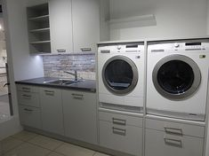 Best Garden Decorations Tips and Tricks You Need to Know - Modern Laundry Room Layouts, Small Laundry Rooms, Laundry Closet, Laundry Room Storage, Laundry Room Design, Storage Spaces, Ikea Baby Nursery, Utility Room Designs, Mudroom