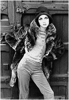 Photos of British (English) fashion model Twiggy Lawson. All types. 70s Fashion, Fashion Shoot, Fashion Models, Vintage Fashion, Womens Fashion, Fashion Trends, Gothic Fashion, Patti Hansen, Lauren Hutton