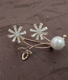 Glass Flower #elegance #newarrivals #brooches #festivefeel