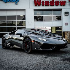 Black chrome Lamborghini Huracan!