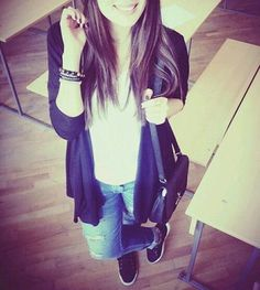 Best Dp For Whatsapp Cute Girls - Substatus Cute Girl Poses, Cute Girl Photo, Cute Girls, Stylish Girls Photos, Stylish Girl Pic, Girl Pictures, Girl Photos, Swag Girls, Girl Hiding Face