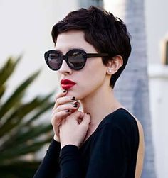 Curly Pixie Hairstyles, Curly Pixie Cuts, Short Hair Cuts, Short Pixie, Curly Short, Pixie Haircuts, Asian Pixie Cut, Shaggy Pixie, Pixie Crop