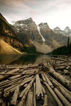 """unwrittennature: The Canadian Rockies (by Jon's. unwrittennature: """" The Canadian Rockies (by Jon's snaps) """" Canadian Rockies, Canadian Prairies, Canada Travel, Amazing Nature, Beautiful Landscapes, The Great Outdoors, Wonders Of The World, Places To See, Beautiful Places"""