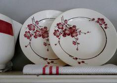 2 French vintage diner plates spring blossem st door 2dehandsjes, €15.00 Digoin