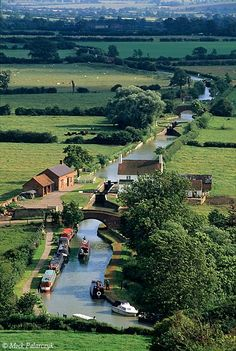 ENGMIDDLE /> 'Bird's-eye view of Oxford Canal.'<br /> <br /> Near Napton on the Hill the Oxford Canal has a gently winding course through farmland. England Countryside, British Countryside, Places To Travel, Places To See, England And Scotland, Secret Places, British Isles, Wonders Of The World, Britain