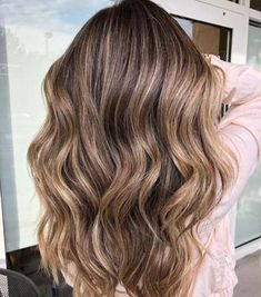 50 Ideas for Light Brown Hair with Highlights and Lowlights Subtle Balayage For Long Brown Hair Balayage Rubio Natural, Subtle Balayage, Brown Hair Balayage, Brown Ombre Hair, Brown Blonde Hair, Brown Hair Colors, Blonde Streaks, Subtle Ombre, Balayage Brunette