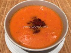 Sopa de tomates asados con pesto de tomates secos