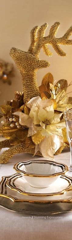 Beautiful Glittering Golden Reindeer Christmas Decoration~ c.c.c~ Ideal As Table Centrepiece For Fruit Or Flowers