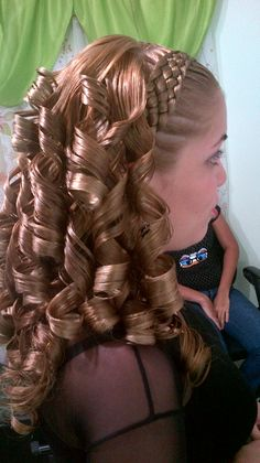 Quince Hairstyles, Baby Girl Hairstyles, Formal Hairstyles, Braided Hairstyles, Long Curly Hair, Curly Hair Styles, Quinceanera Hairstyles, Toddler Hair, Braids
