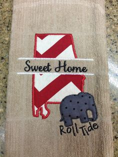 Sweet Home Alabama Dish Towel by OhSewSouthern on Etsy Applique Monogram, Embroidery Applique, Machine Embroidery, Embroidery Designs, Alabama Football Baby, Football Crafts, Football Stuff, Sweet Home Alabama, Alabama Decor