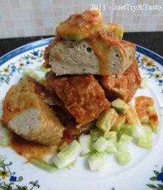 Otak-Otak Tahu & Ikan Bandeng dengan Saus Kacang (Milk-fish cake and tofu with peanut sauce)