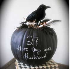 Chalkboard pumpkin The Party Goddess! Marley Majcher ThePartyGoddess.com #pumpkin #halloween #chalkboard