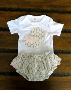Organic baby clothes/  Baby girl 0-3 months / by FourLittleButtons