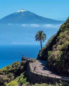 Tenerife desde la gomera 🌟🌟🌟 Reposted from . Places To Travel, Places To Visit, Spanish Islands, Island Beach, Spain Travel, Land Scape, Wonders Of The World, Travel Inspiration, Travel Photography