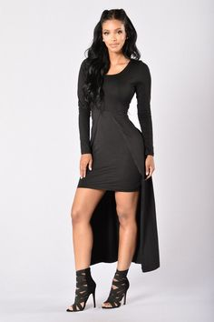 - Available in Heather Grey - Scoop Neck - Front Split Detail - Long Sleeve - Maxi Length - 96% Polyester, 4% Spandex