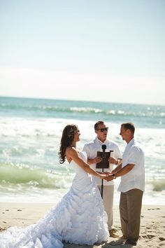 I've always wanted to get married on the beach... But I'd like to have a very small wedding