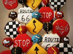 Dona Bolacha: Biscoito decorado e cake pop carros!!