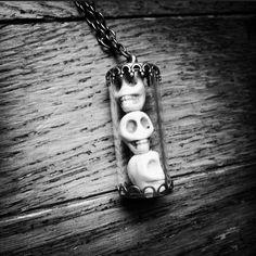Hear No Evil, See No Evil, Speak No Evil  Kruel intentions skull necklace