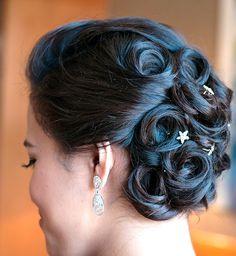 www.stilopersonal.es  Anillas para este precioso recogido.