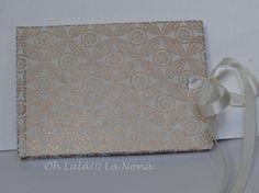 Libreta con papel hecho a mano, cierre con cinta de raso