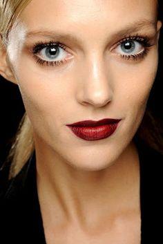 pretty look to use with mac dark side lipstick