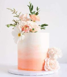 50 Most Beautiful looking Coral Cake Design that you can make or get it made on the coming birthday. Coral Wedding Cakes, Coral Cake, Fancy Wedding Cakes, Wedding Anniversary Cakes, Peach Cake, Anniversary Cake Designs, 19th Birthday Cakes, Girly Birthday Cakes, Salmon Wedding