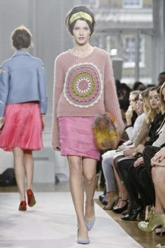 Moschino Cheap and Chic Ready To Wear Fall Winter 2012 London - NOWFASHION