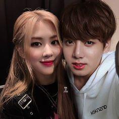 Kpop Couples, Cute Couples, K Pop, Kpop Iphone Wallpaper, Golden Family, Young Park, Bts Girl, Blackpink And Bts, Bts Imagine