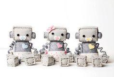 Robot de bebé con un pañal con chupete escoger niño o niña - rosa, azul o amarillo, Geek bebé Robot vivero decoración regalo