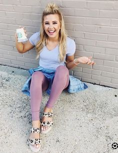 Colored Jeans Outfits, Jean Outfits, Cute Outfits, Lazy Days, Clothing Ideas, Cardio, Clothes, Accessories, Shopping
