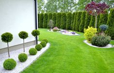 Steal these cheap and easy landscaping ideas for a beautiful backyard. Get our best landscaping ideas for your backyard and front yard, including landscaping design, garden ideas, flowers, and garden design. Small Front Yard Landscaping, Front Yard Design, Outdoor Landscaping, Outdoor Gardens, Landscaping Ideas, Modern Landscaping, Rocks In Landscaping, Mulch Ideas, Driveway Landscaping
