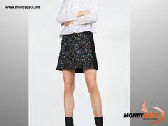La reconocida marca de ropa Zara se despide del verano con esta increíble falda impresa de diseños geométricos que recuerdan a un caleidoscopio. Es moderna y única y puede llevarse tanto en la ciudad como en la playa. Zara cuenta con una tienda en el centro comercial La Isla en Cancún, donde puedes obtener una devolución de impuestos si eres turista extranjero viajando en México! #moneyback #devolucióndeimpuestos #viajeamexico
