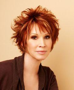 Author Sandra Brown has SUPER cute hair.