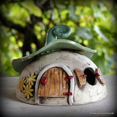 Windlicht Kugel Lantern - FLEURY - Creative ceramics for home and garden Clay Houses, Ceramic Houses, Ceramic Birds, Ceramic Pottery, Pottery Art, Ceramic Art, Clay Fairy House, Gnome House, Fairy Garden Houses