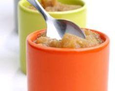 compote de pommes : http://www.cuisineaz.com/recettes/compote-de-pommes-56065.aspx