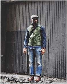 No photo description available. Vest Outfits, Cool Outfits, Skinny Fashion, Green Vest, Gentleman Style, Classy And Fabulous, Men Looks, Dress Codes, Autumn Winter Fashion