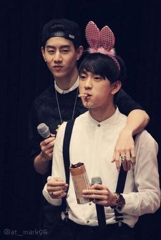 Mark <3 Junior. Look at them ears! >_<;;; Suspenders and everything :3