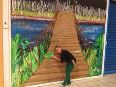 pintura mural sobre cristal., centro comercial el Reston en Valdemoro