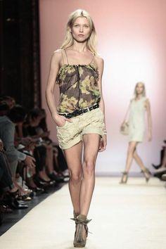 Isabel Marant #PFW #Fashion #RTW #SS14 http://nwf.sh/14OQ5Aw