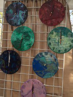 Resin clock display Resin Crafts, Resin Art, Vinyl Record Crafts, Clock Craft, Clock Display, Wine Stoppers, Concrete Floors, Wall Clocks, Epoxy
