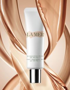 La Mer introduces the new Reparative SkinTints SPF Beauty Ad, Beauty Shots, Luxury Beauty, Beauty Nails, Makeup Ads, Perfume Making, Cosmetic Design, Beauty Packaging, Beauty Photography