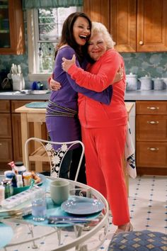 Fran Drescher and her TV Mom reunite on the set of Fran's new sitcom, 'Happily Divorced' on TV Land