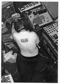 Richard D. James (Aphex Twin)  http://en.wikipedia.org/wiki/Aphex_Twin