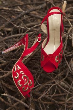 Your Own Our Fav. Styles and Designers for Super comfy & Custom Indian Bridal Shoes - Witty Vows Bridal Sandals, Bridal Shoes, Wedding Shoes, Red Pumps, Bridal Necklace, High Heels, Stilettos, Indian Bridal, Bridal Accessories